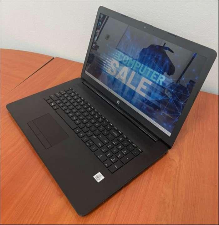 HP 17 Intel i5 1035G1 de 10ma generación SSD - 4