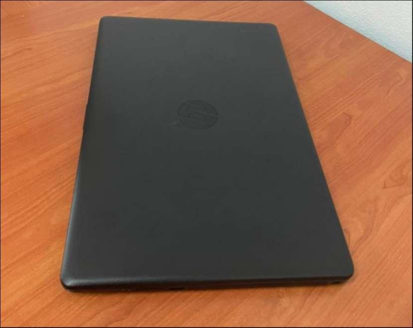 HP 17 Intel i5 1035G1 de 10ma generación SSD - 5