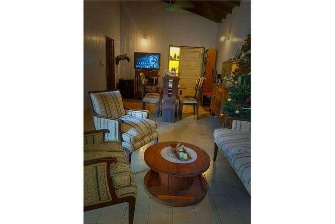 Casa con excelente ubicación zona Paseo La Galería - 2