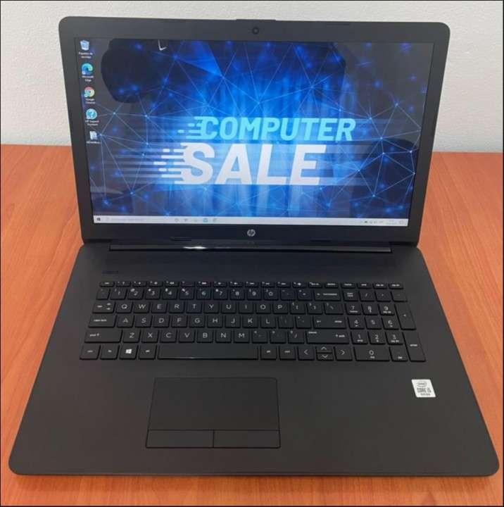 HP 17 Intel i5 1035G1 de 10ma generación SSD - 0