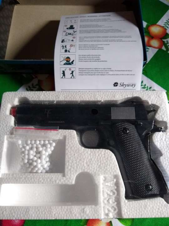 Pistola de airsoft a resorte de 6 milímetros - 0