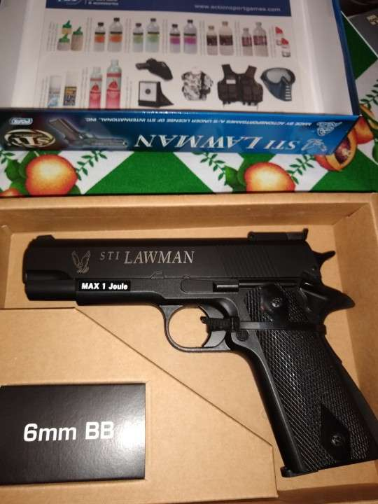 Pistola de airsoft - 0
