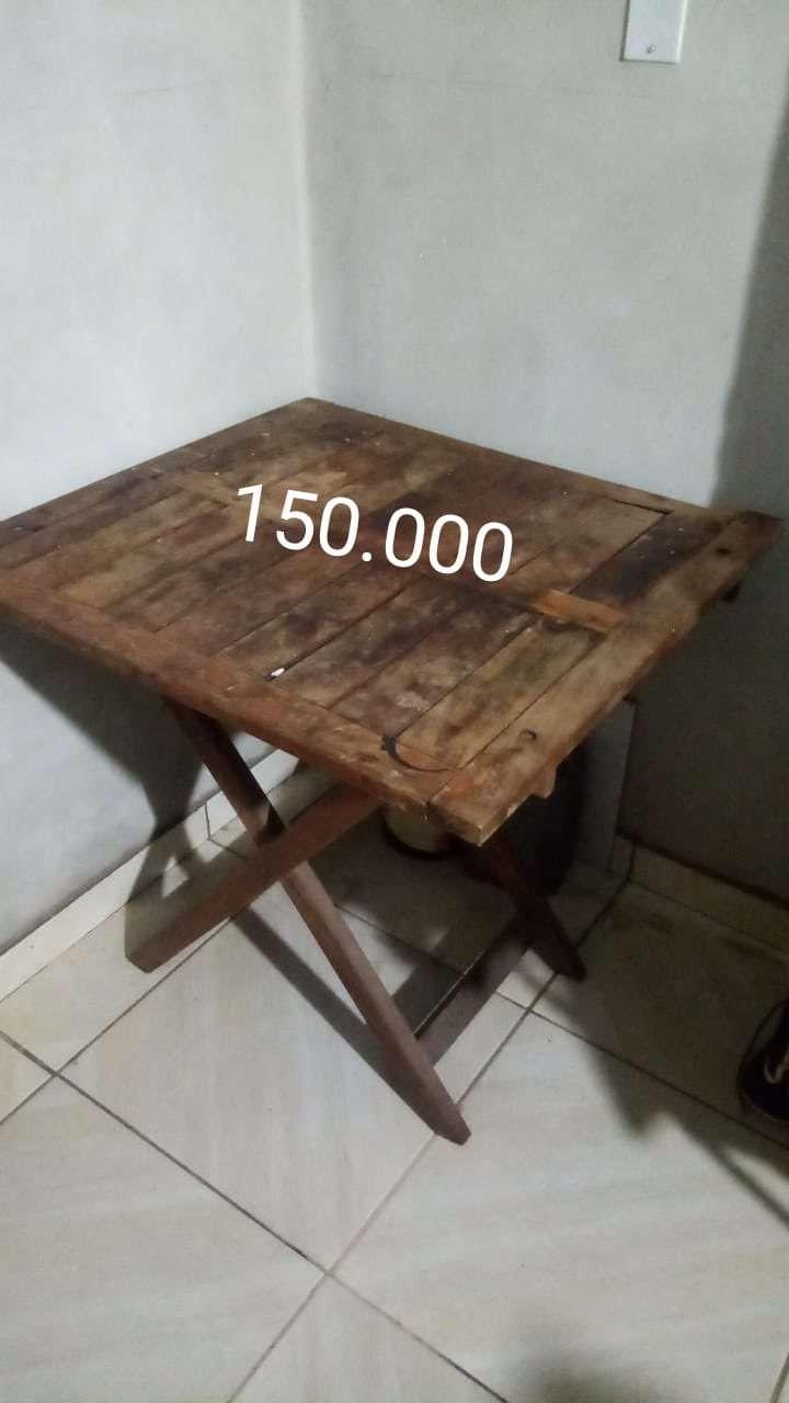 Mesa de madera - 0