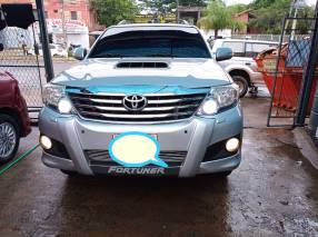 Toyota Fortuner 2013
