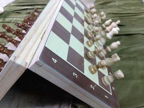 Juego de ajedrez magnético de madera 39x39 cm - 3