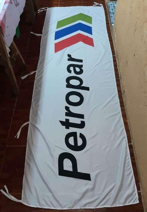 Banderas empresariales con impresión serigráfica a medida - 2