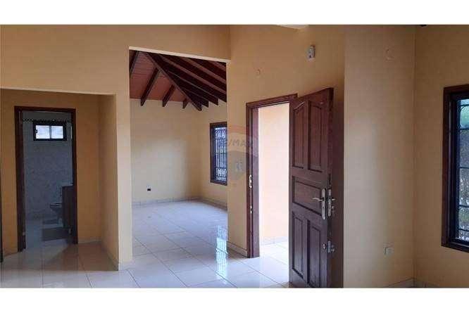 Casa en Lambaré en el Barrio Santa Rosa - 1