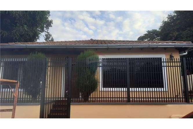 Casa en Lambaré en el Barrio Santa Rosa - 0