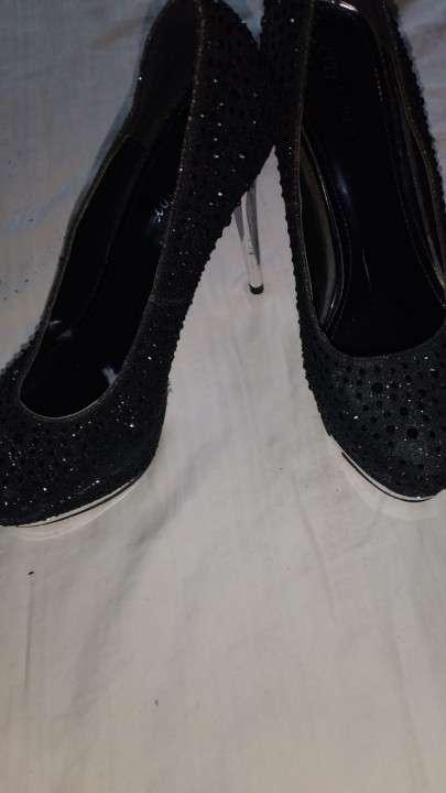 Zapato con brillos taco de abuja - 2