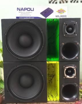 Caja acústicas tipo trío golpe seco