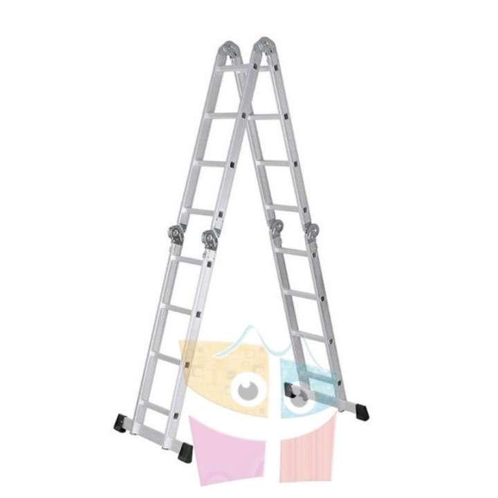 Escalera - 4,75 Mtrs - Articulada Plegable - 16 peldaños - 4