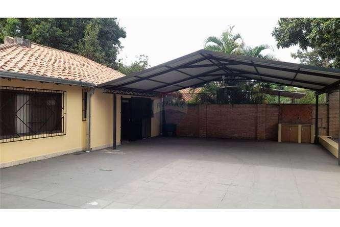 Casa en Lambaré en el Barrio Santa Rosa - 6