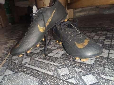 Botín Nike Mercurial calce 45 - 1
