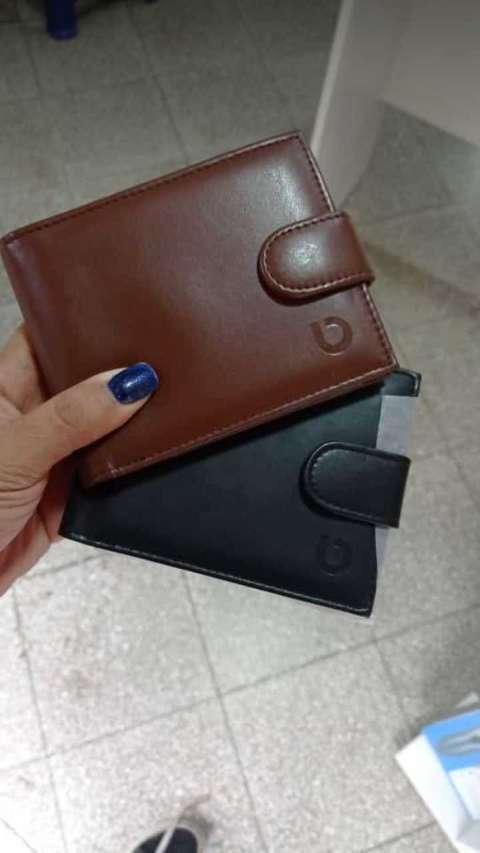 Billeteras y cintos de cuero - 0