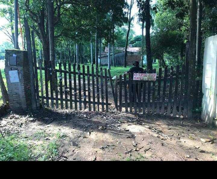 Terreno con casa quinta en Limpio - 1