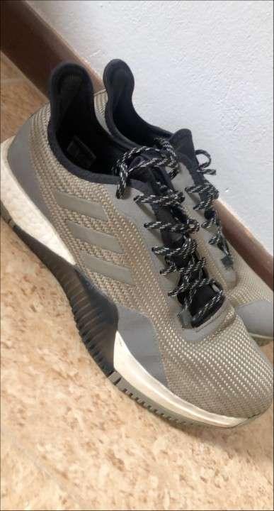 Calzado Adidas Ultra Boost original - 0