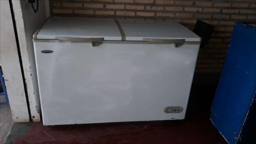 Congelador de 2 puertas Midas - 0