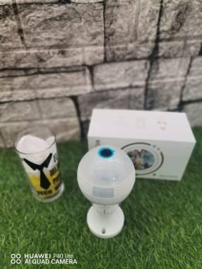 Foco cámara espía wifi