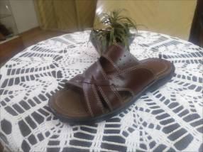 Zapatillas de cuero calce 38 al 44