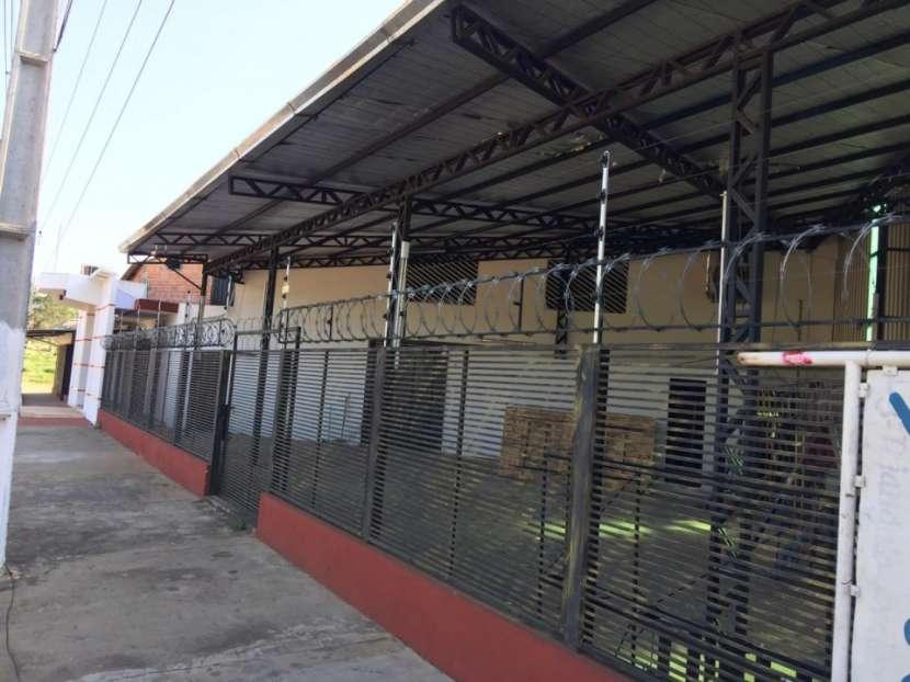 Local comercial o depósito en Lambaré - 1