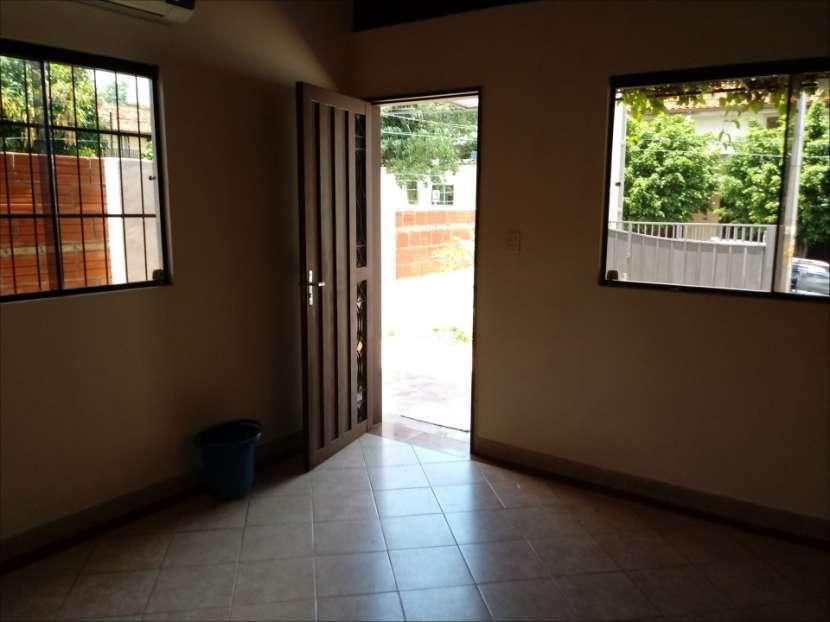 Casa SOLO para oficina o similar con acceso a 2 avenidas - 4