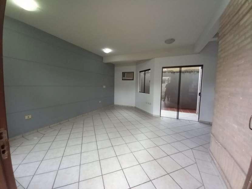 Duplex Barrio Pinozá Asunción - 8