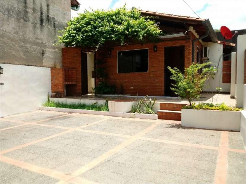 Casa SOLO para oficina o similar con acceso a 2 avenidas - 1
