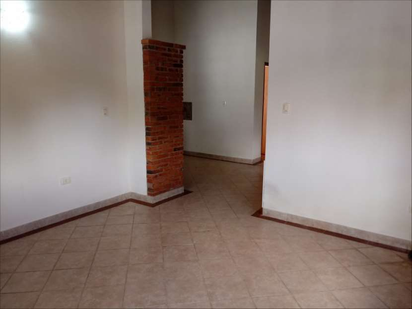 Casa SOLO para oficina o similar con acceso a 2 avenidas - 3