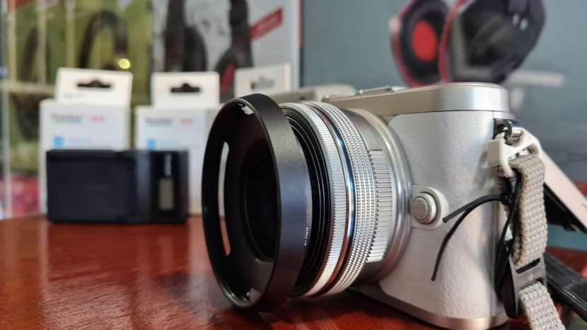 Cámara Olympus PEN E-PL9 Kit 14-42mm con accesorios - 6