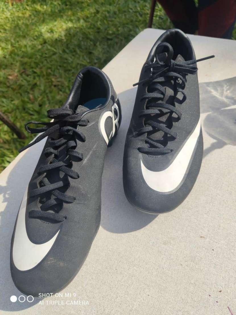 Botín Nike CR7 calce 41 - 0