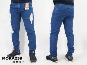Jeans elastizado con roturas Talle 36 al 46