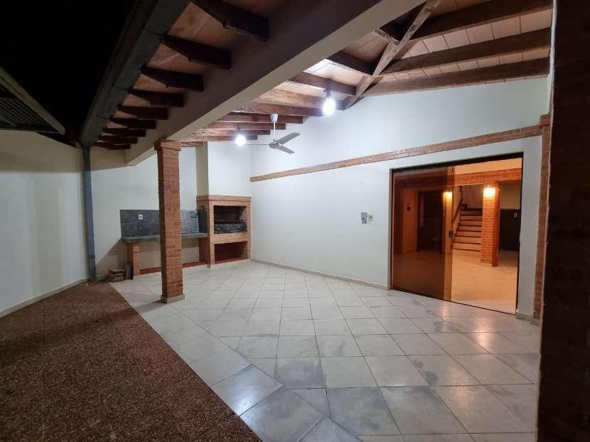 Duplex en Fernando de la Mora zona Norte - 1