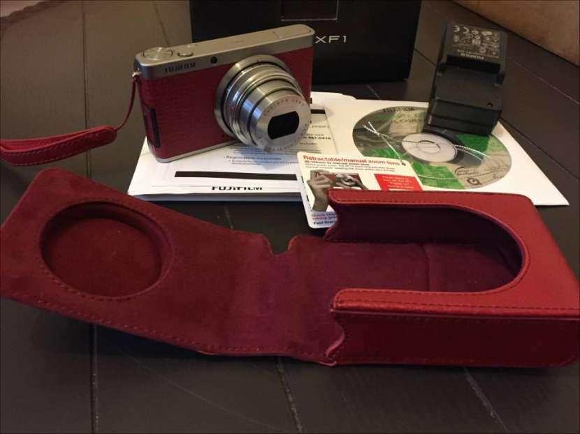 Cámara Pro Fujifilm XF-1 X series semi nueva con estuche - 2