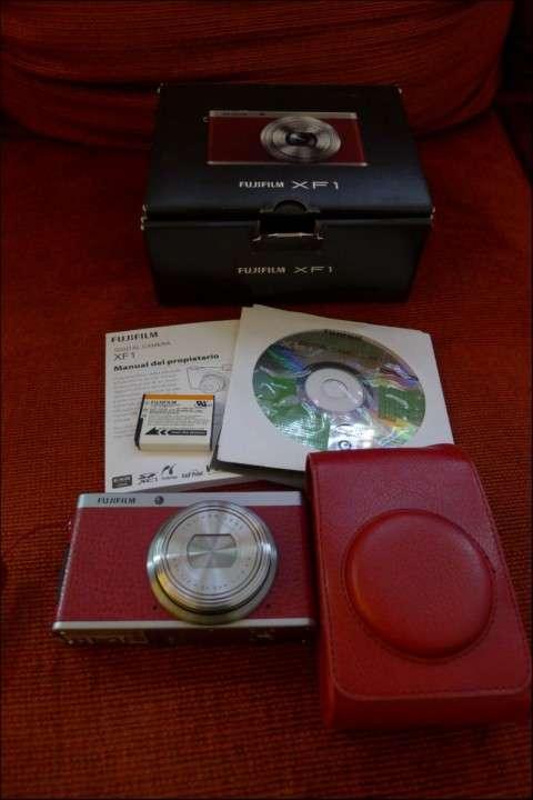 Cámara Pro Fujifilm XF-1 X series semi nueva con estuche - 4