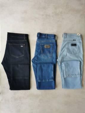 Jeans Wrangler Clásicos talle 34/44