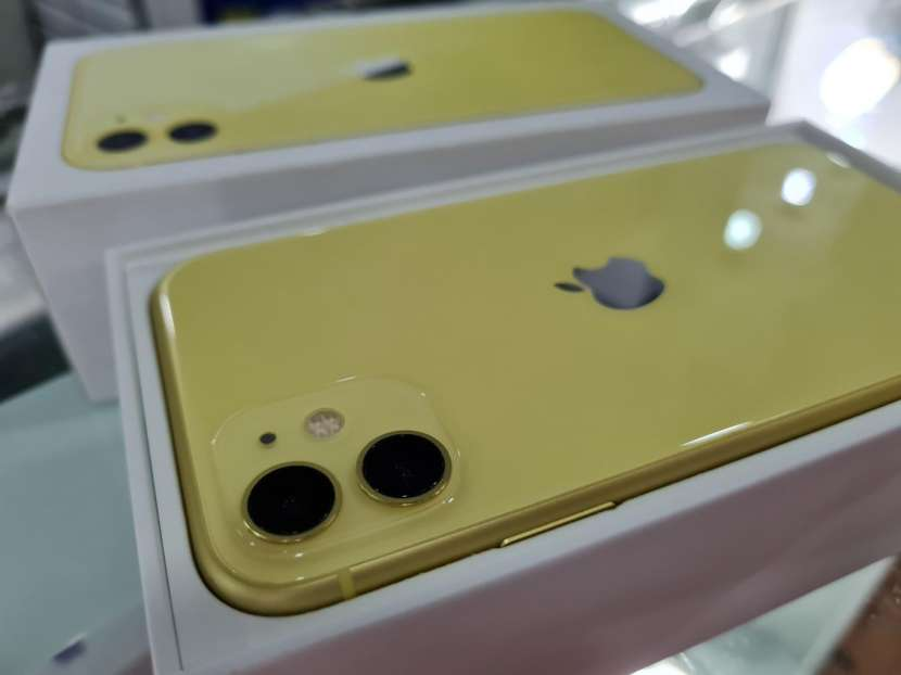 iPhone 11 de 64 gb - 0