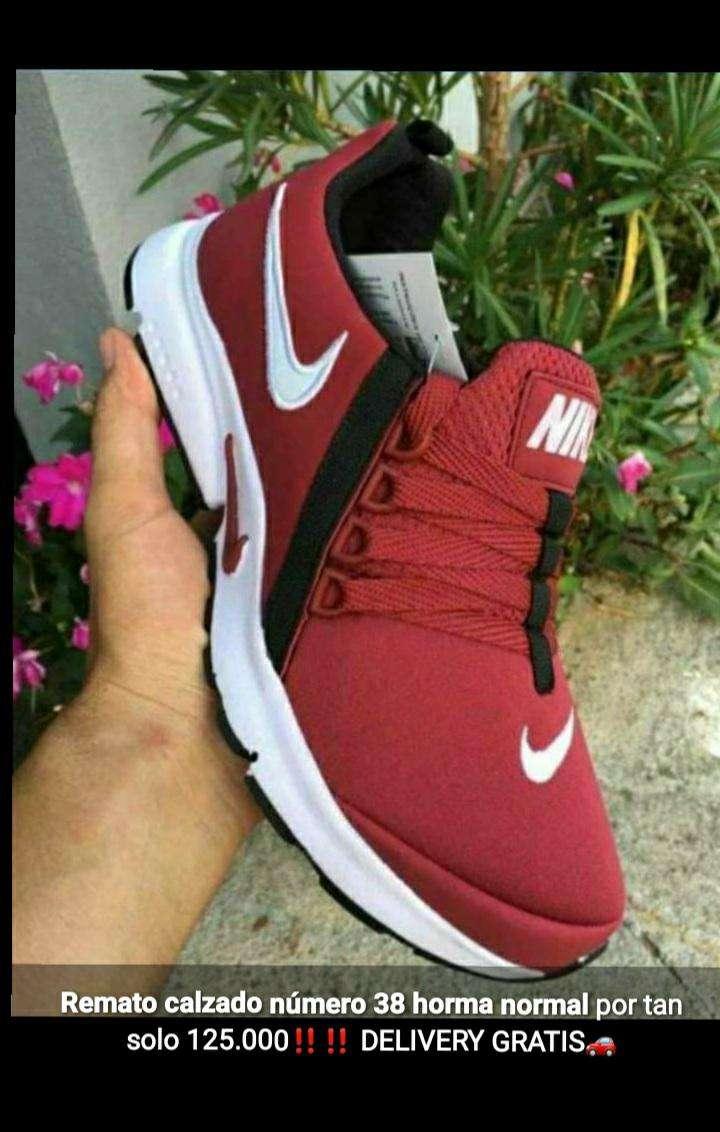 Calzado Nike calce 38 - 1