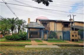 Duplex amoblado con piscina Barrio Mburucuya