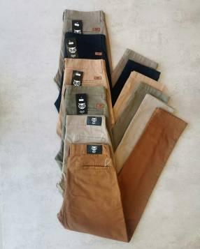 Pantalon corte chino