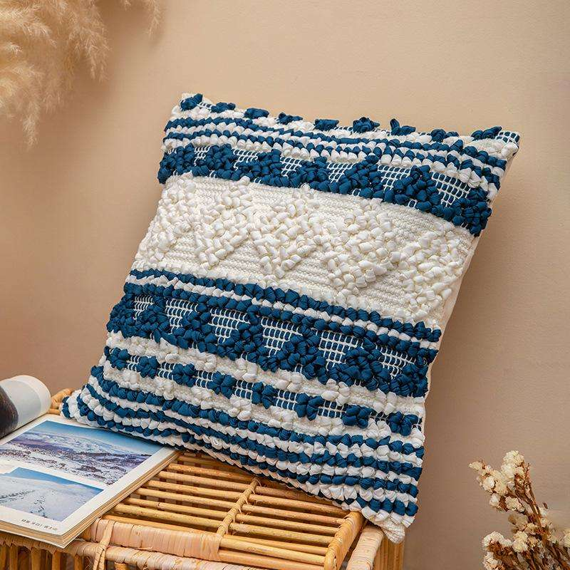 Cojín decorativo bordado en azul y blanco 45x45cm - 0