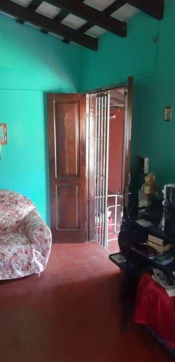Casa confortable con salón y apto en Fernando de la Mora zona Sur - 6