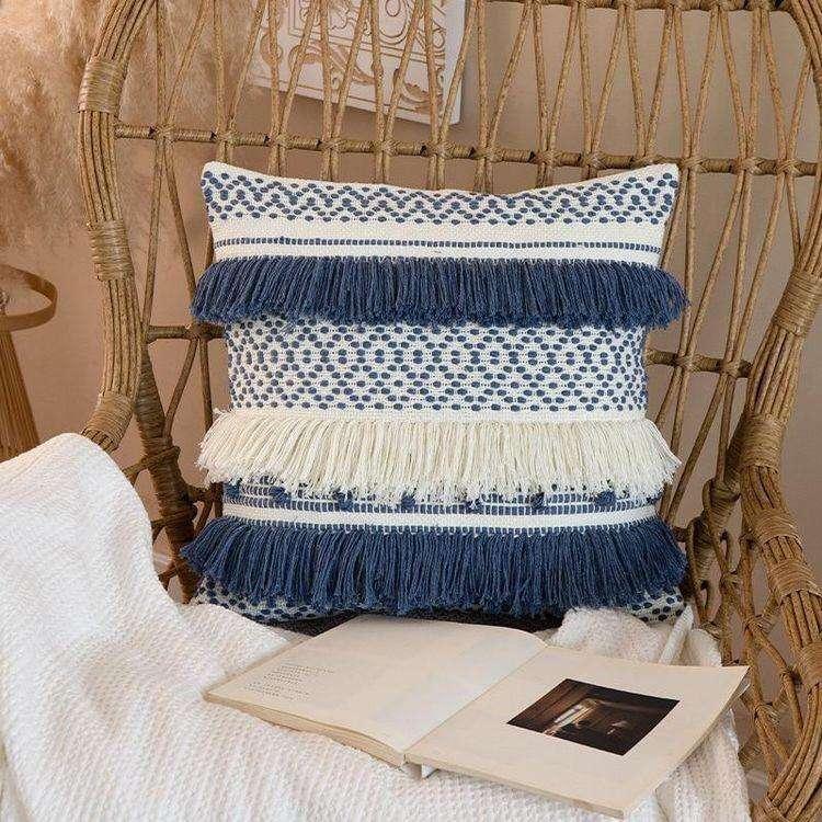 Cojín decorativo borla flecos en azul y blanco 45x45cm - 2