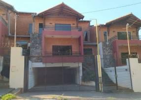 Dúplex en barrio Mbachio I Lambaré