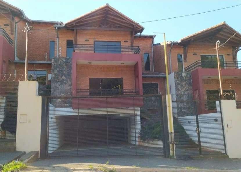 Dúplex en barrio Mbachio I Lambaré - 0