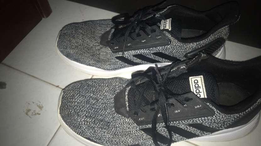 Calzado Adidas calce 43 - 0