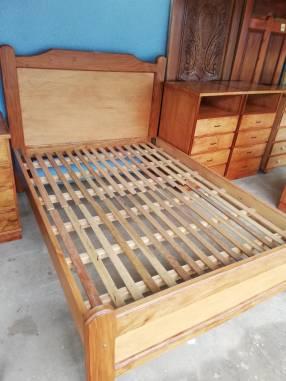 Cama de madera 140x190cm