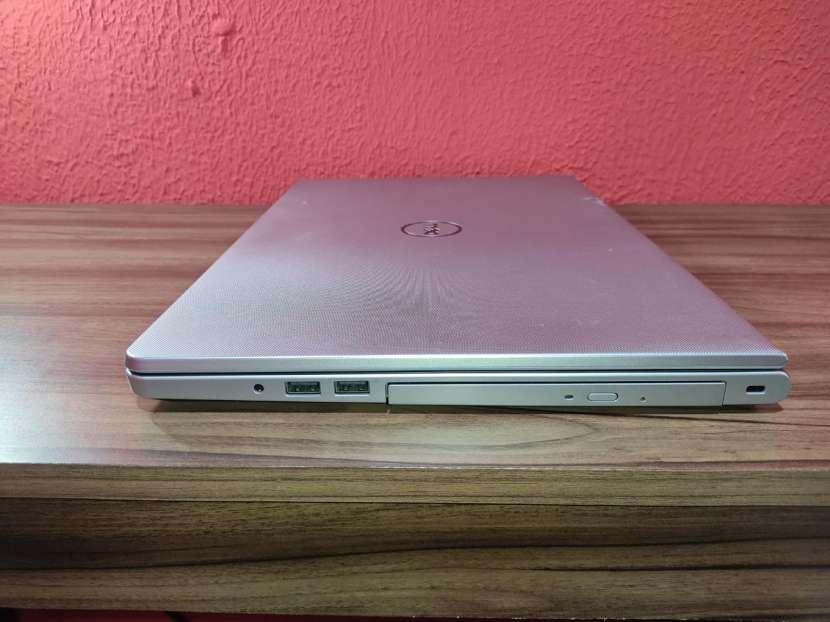 Notebook Dell Inspiron 5558 con I7 5th Gen - 3
