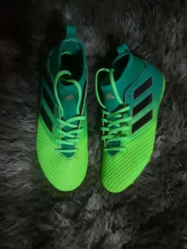 Botín Adidas calce 35 - 0