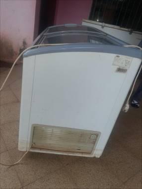 Congeladora FAMA compresor modeloEFH-375