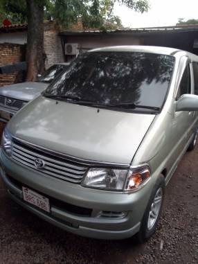 Toyota Regius 1998